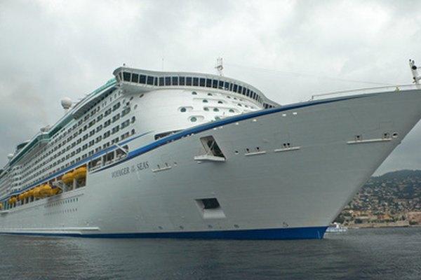 Hay muchas oportunidades de trabajo en las diferentes líneas de cruceros.