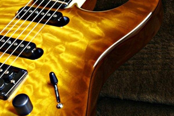 La guitarra black metal se caracteriza por tocar rápidamente la misma nota, o varias, en lo que se conoce como el método