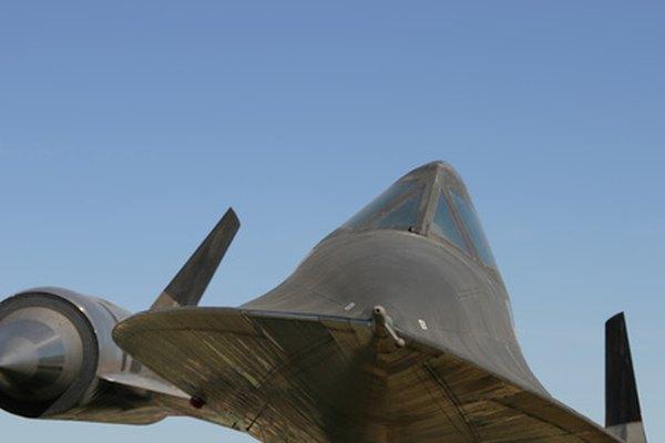 Con velocidades máximas de más de Mach 3, el Lockheed SR-71 fuselaje hace uso intensivo de titanio.