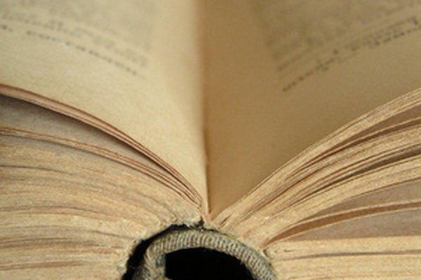 Los libros viejos necesitan restauración para prevenir los daños.
