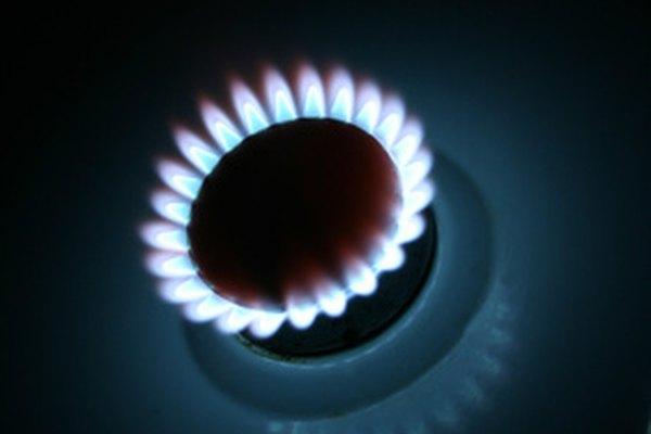 El propano es un gas derivado del combustible fósil y se usa para cocinar y calentar.