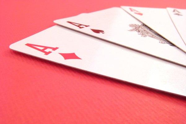 Necesitarás una baraja estándar de 52 cartas.