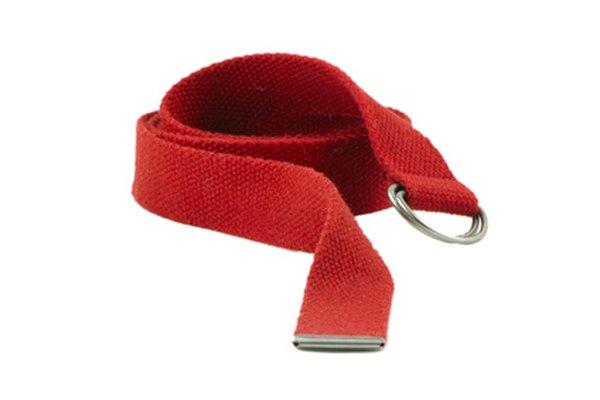 Un cinturón con hebilla en forma de