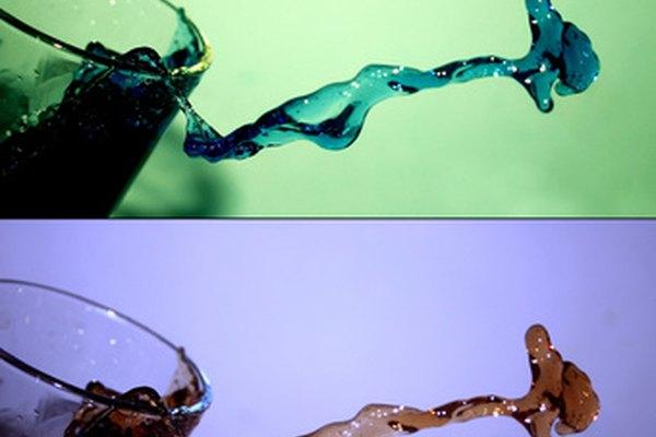 El agua fría y la caliente tienen densidades diferentes.