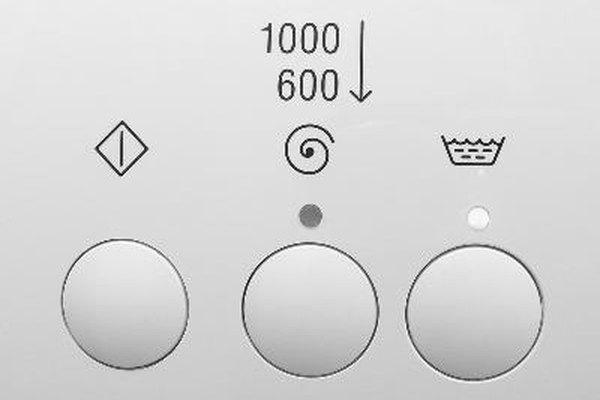 Las cargas desequilibradas, cargas demasiado pesadas y objetos sueltos en el tambor también pueden causar ruido cuando el agitador se enciende, pero estas cosas no suelen producir un sonido chirriante.