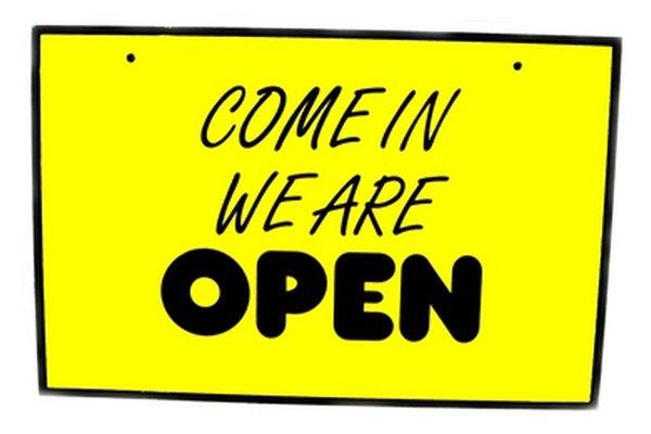 Una vez que los fondos financieros hayan sido asegurados, un establecimiento puede abrir para ser un negocio.