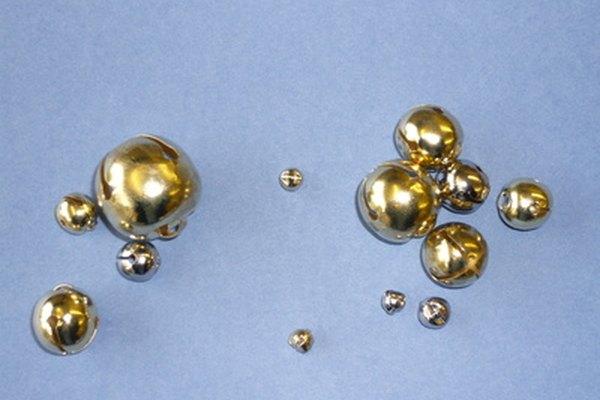 El cromado y el niquelado pueden ser removidos de los objetos pequeños con un decapante.