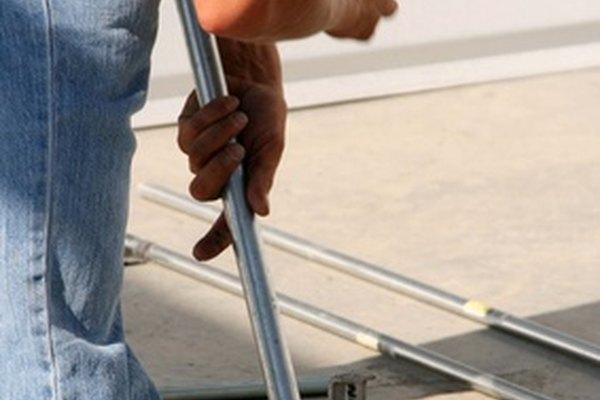 Doblar el conducto EMT correctamente requiere mucha práctica.