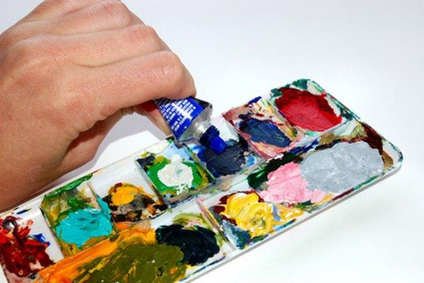 La pintura acrílica viene en una variedad de colores y formas, que llevan un tiempo largo para secarse.