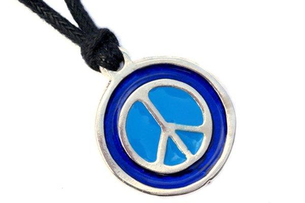 El símbolo de la paz invertido tiene muchos significados subjetivos.