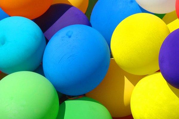 Usa globos para enseñar a tus estudiantes la ciencia del sonido.