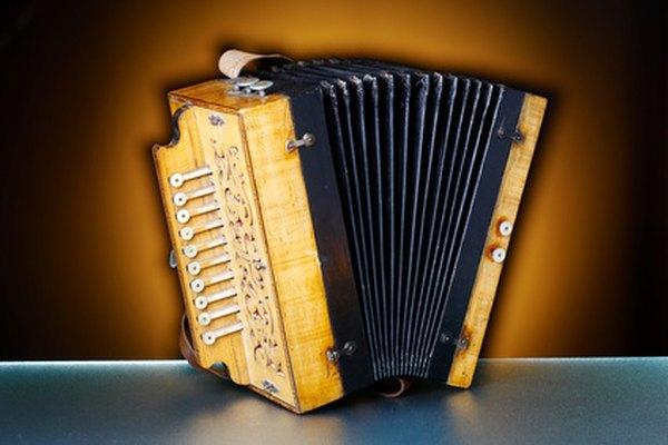 El acordeón es un instrumento conocido en la música merengue.