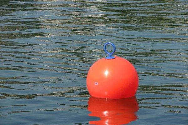 Flotar no cambia tu desplazamiento en relación con el agua.