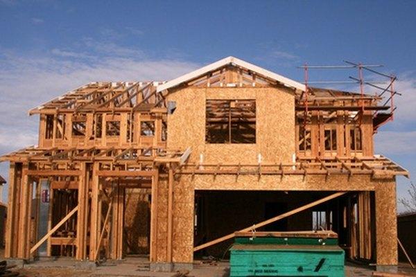 La madera contrachapada es un material de construcción versátil, pero debería ser sellado para prevenir daños por humedad.