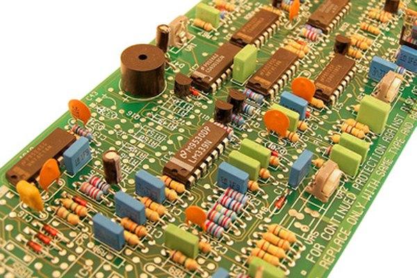 Calcula la reactancia inductiva para tu circuito.