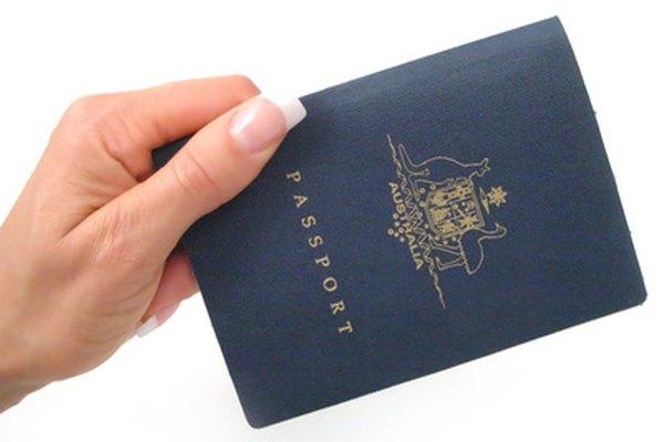 Un pasaporte oficial.
