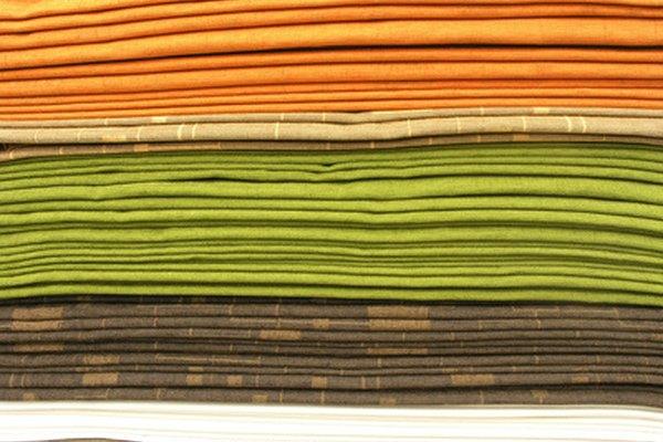 Las fibras sintéticas o artificiales.