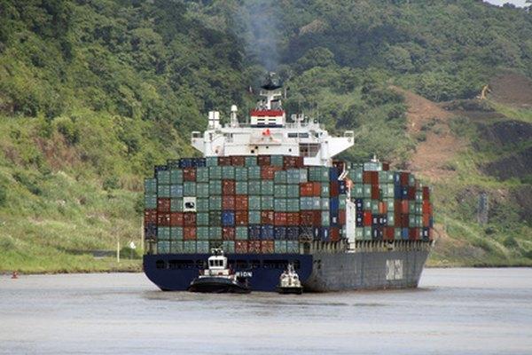 El contenedor de un barco es sólo una parte del transporte intermodal.