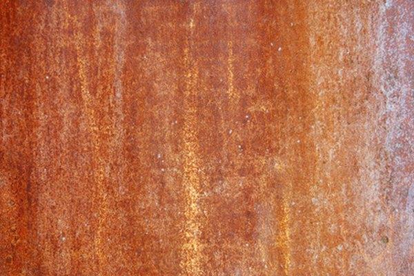 El aluminio puede cambiar de color a marrón o negro químicamente.