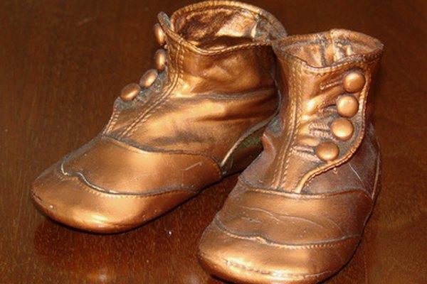 Los zapatos tenían suelas anchas y planas.