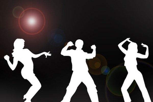 El estilo de baile en fila en los años 90 le dio a la gente un estilo de baile mixto apropiado para todas las edades.