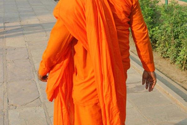 Si la vida fuera un videojuego, este monje podría saltar paredes y romperlas con sus puños.