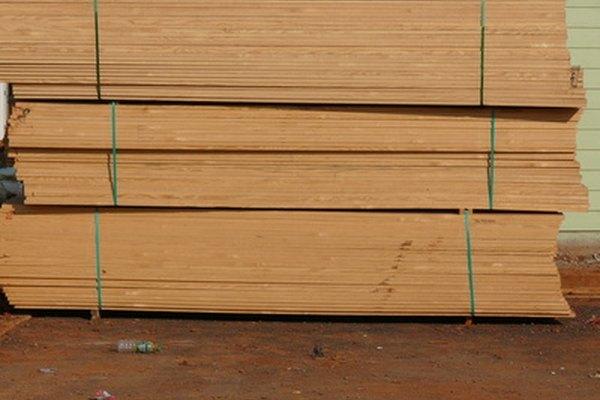 Los diferentes tipos de cortes de la madera producen distintos dibujos de grano y distintas resistencias.