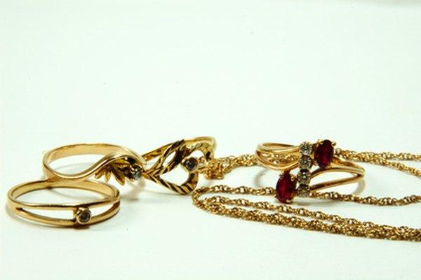 Existen opciones más baratas de lucir joyas de oro.