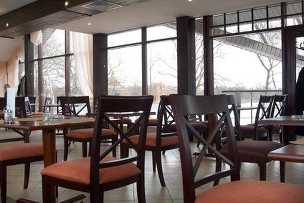 El departamento local de salud regula la concesión de licencias de restaurantes.