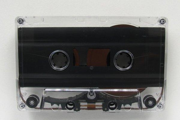 La investigación inicial y el desarrollo de la tecnología de cinta magnética estaba enfocada en el audio.