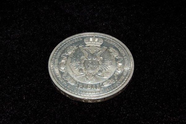 Una moneda de plata completamente limpia.