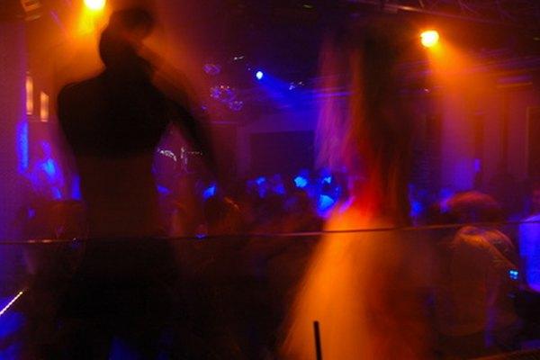 Solteros un poco mayores pueden encontrar discotecas divertidas en Houston.
