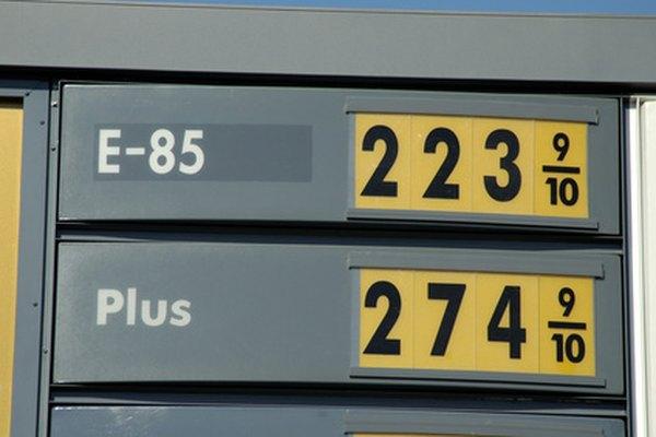 Las gasolineras suelen obtener beneficios en las ventas de combustible cuando los precios se elevan.