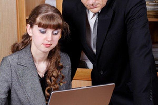 La tecnología en el lugar de trabajo implica esfuerzos de capacitación y desarrollo.