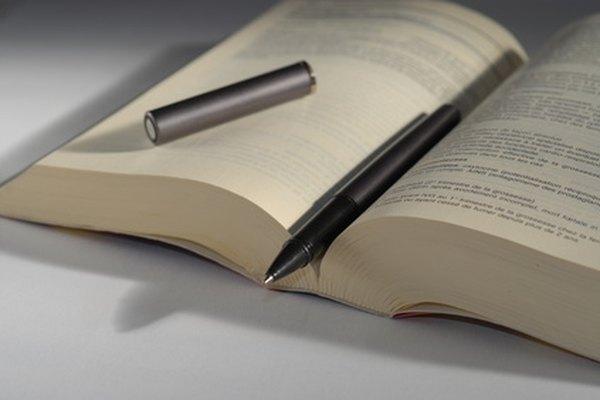 Aprobar los cursos es solamente uno de varios requisitos para la obtención de un doctorado en filosofía (PhD).