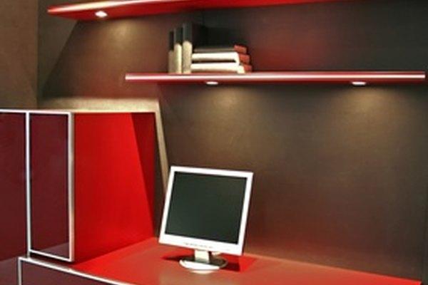 Designa un espacio en tu casa como tu oficina.