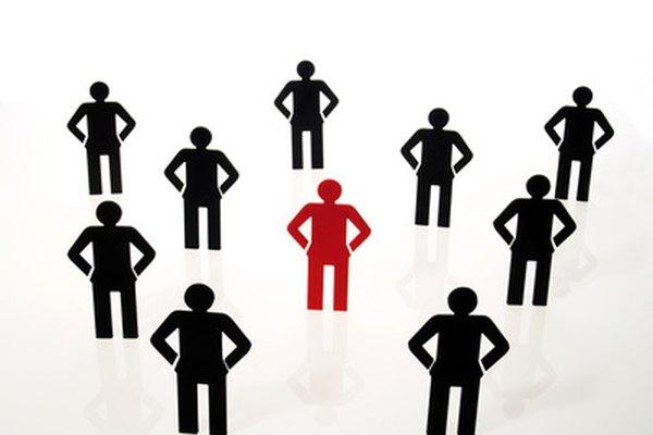 Los modelos de estructura organizacional pueden incluir orientaciones funcionales y de producto.