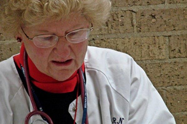 Las escuelas de enfermería se reconocen por sus programas para preparar a los alumnos para las carreras del cuidado de la salud.