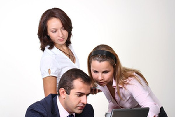 Las minutas de reuniones ayudan a recordar a aquellos que asistieron a la reunión de importantes ideas y decisiones que se realizaron.