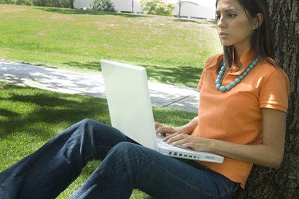 Hay docenas de enciclopedias en línea especializadas de valor para los estudiantes, investigadores y profesores.