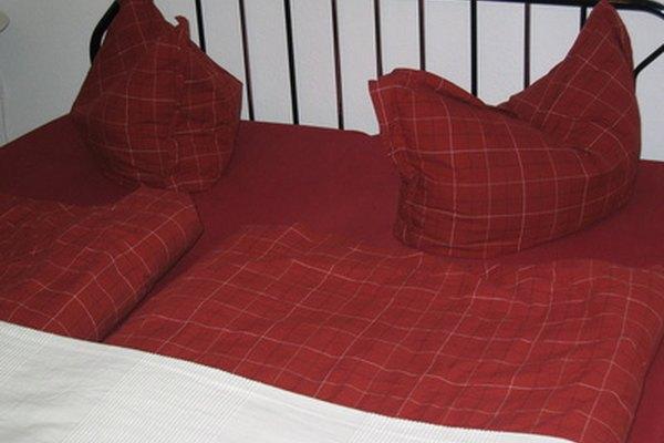 Las sábanas de algodón satinado son sedosas, pero son menos duraderas que las sábanas de algodón regular.