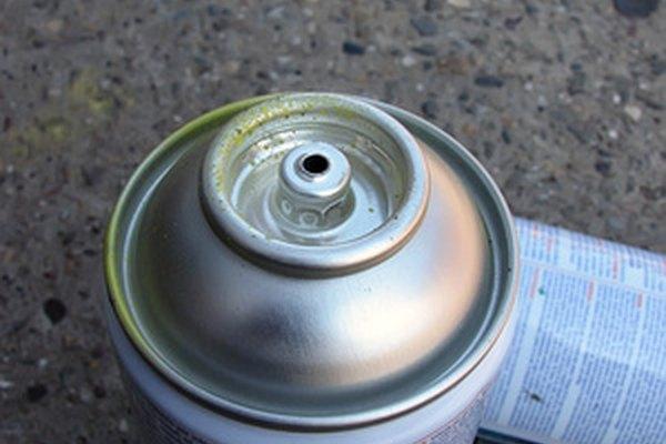 Puedes transferir rápidamente la pintura de una lata de pintura cálida a una de pintura fría.