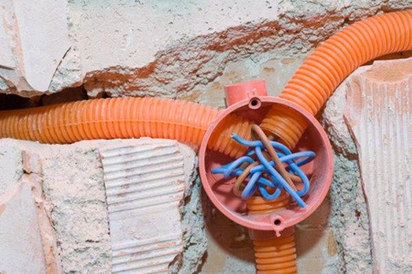 En cuanto al cableado, asegúrate de usar la medida justa para los amperios del circuito.