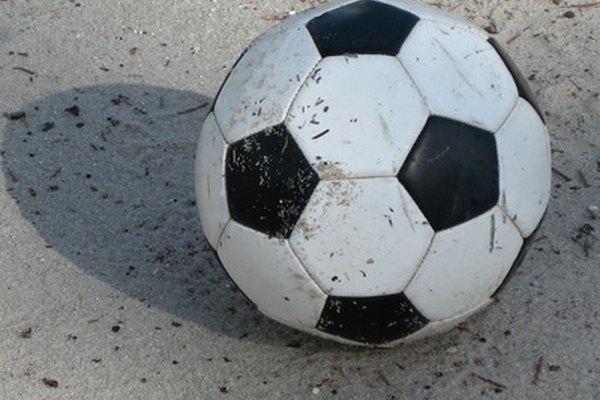 El rompecabezas pelota de fútbol hace honor a su nombre cuando está intacto.