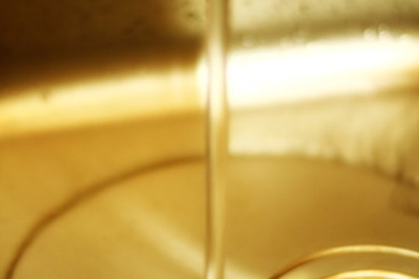 Un desagüe del fregadero atascado no drenará el agua o la drenará lentamente.