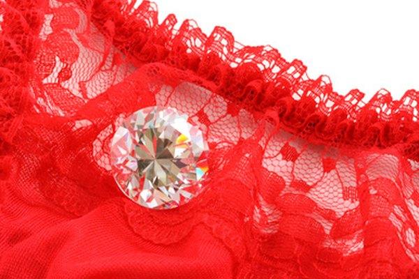 Escoge algo sensual y romántico para la foto de febrero.
