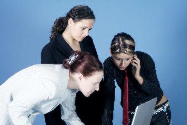 El trabajo en equipo ofrece una variedad de beneficios para la compañia y el personal.
