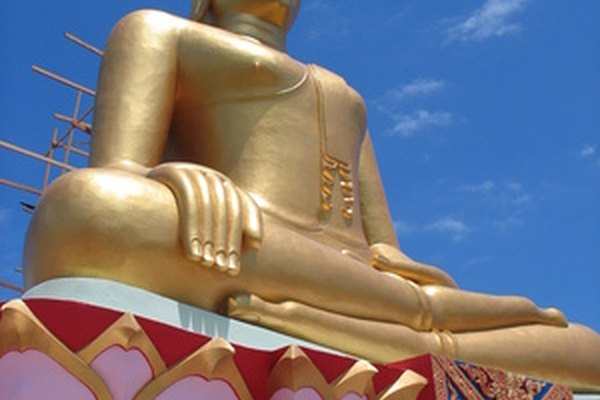 El budismo hace hincapié en sentirse desprendido por el mundo material, siguiendo los pasos del Bodhisattva iluminado.