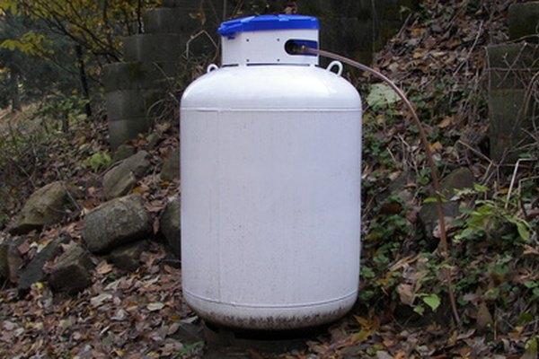 La densidad de mezclas de gases depende de alguna manera del volumen de los contenedores.