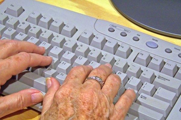 La tecnología de las computadoras puede ser comprendida por personas mayores, si se les enseña de la manera adecuada.